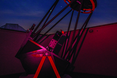 40-inch-telescope-at-night-hillestad-lr